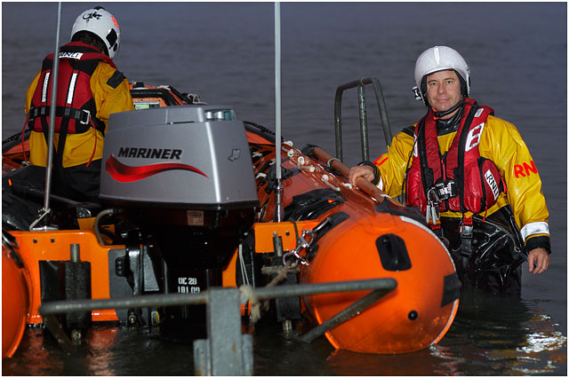 RNLI D-Class Inshore Rescue Boat Night Time Test Drive