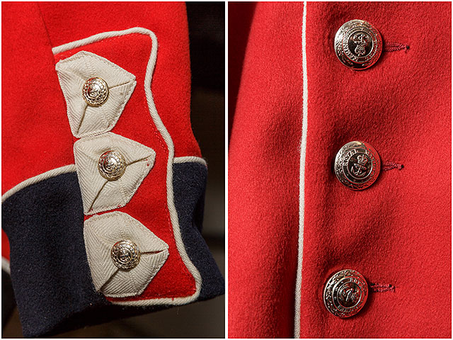 1830-1840 Infantrymans Uniform Detail Buttons Red Sleeve Standard Line Cuff