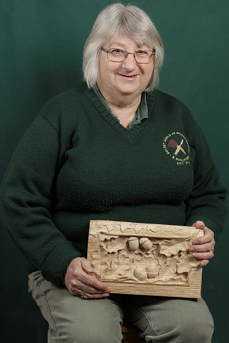 portrait of Lin Palmer a member of the solent guild of woodcarvers and sculptors