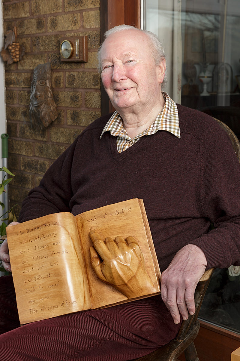 portrait of Alan Crockford a member of the solent guild of woodcarvers and sculptors