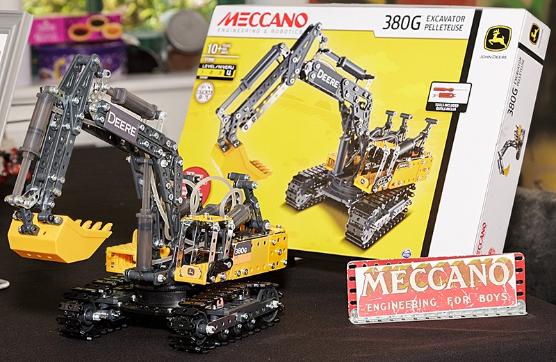 Latest 'unreleased' Meccano digger by Colin Bull