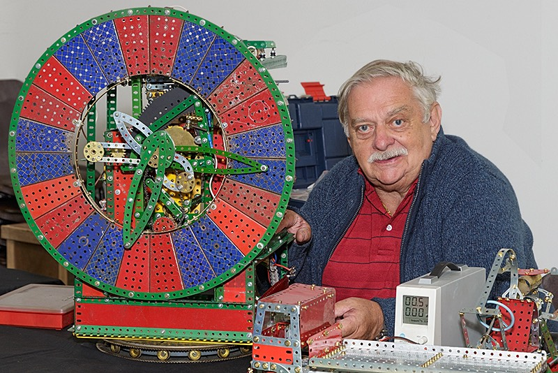 Solent Meccano Club member xxx with model clock
