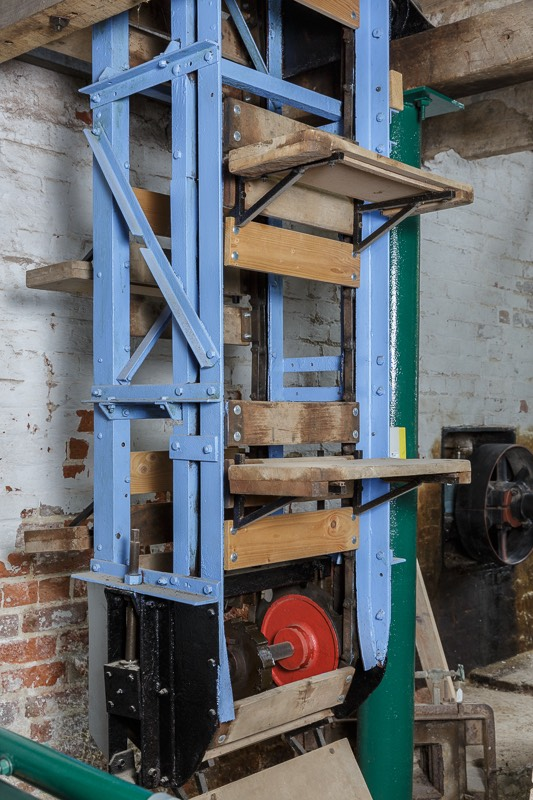 vertical pugmill at Out of commision diggers at bursledon brickworks museum